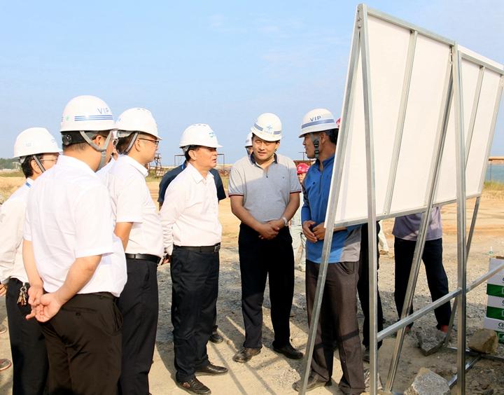 """全力以赴 为茂名经济发展提供""""正""""能量 刘乃英率队督导集团下属企业经营情况和各重点项目建设进度"""